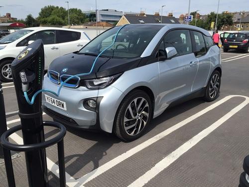 电动汽车电瓶能用几年_电动汽车电池能用多久